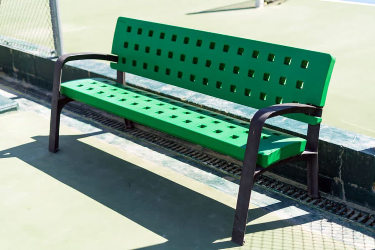 Polyethylene benches and bins in tennis club - 2021