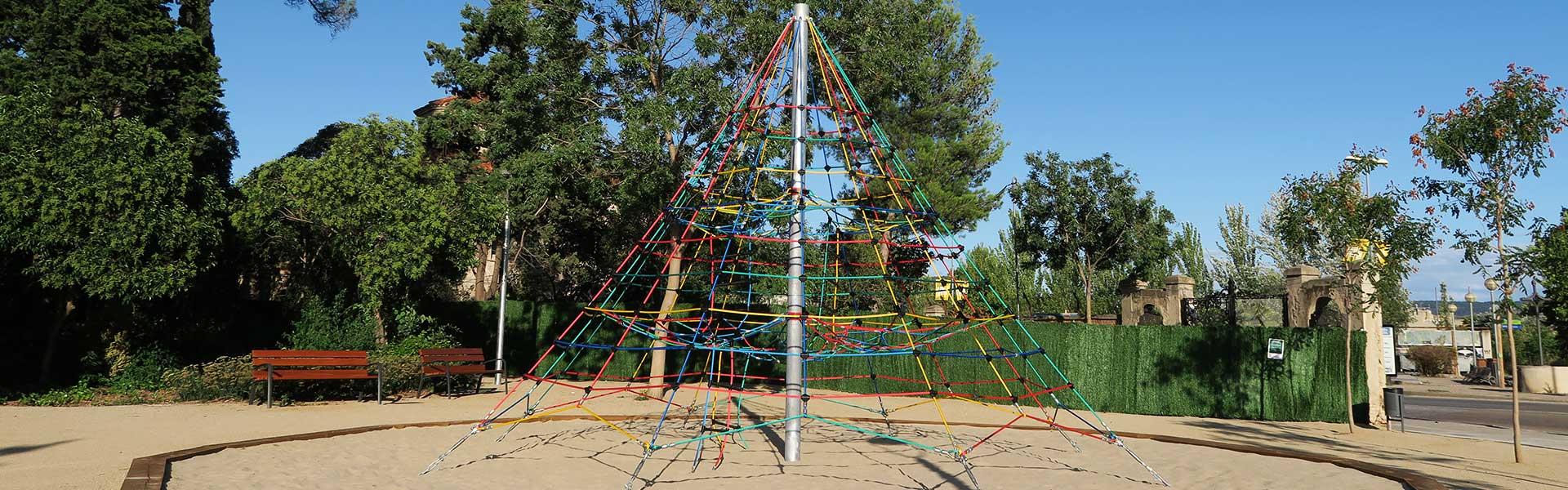 Pirámides de escalada para parques infantiles