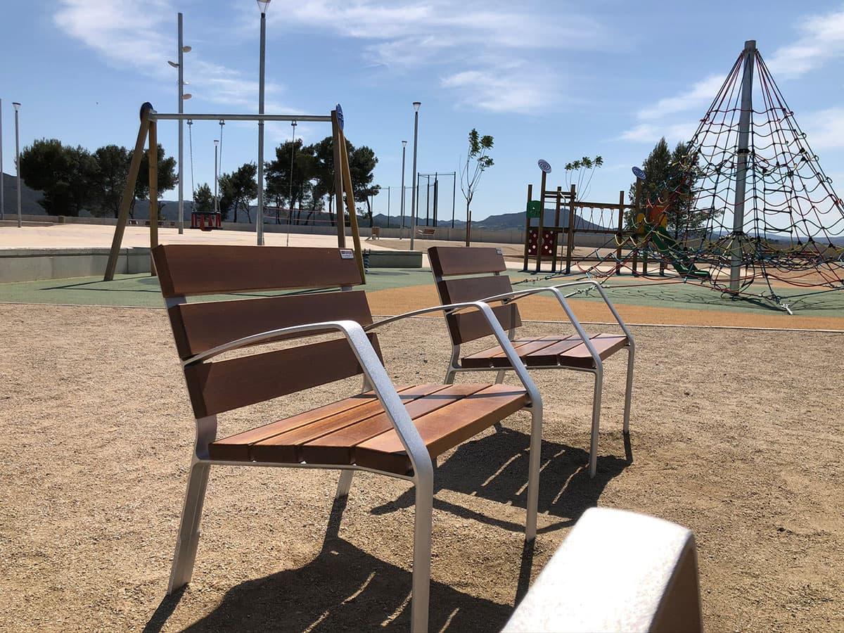 Sillas de madera para parques
