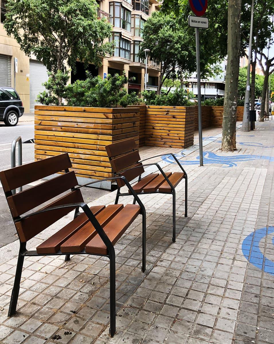 Sillas de madera urbanas